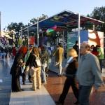 Estand del Forum 2004 a la plaça de Catalunya.Sant Jordi 2003.